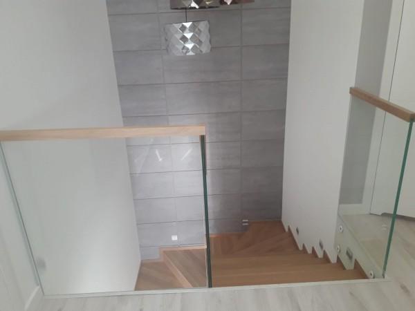 schody 12